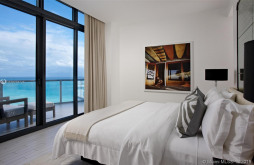 2201 Collins Ave #2006/UPH