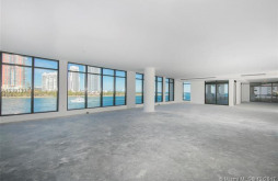 7043 Fisher Island Dr