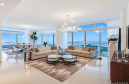 3315 Collins Ave #10A