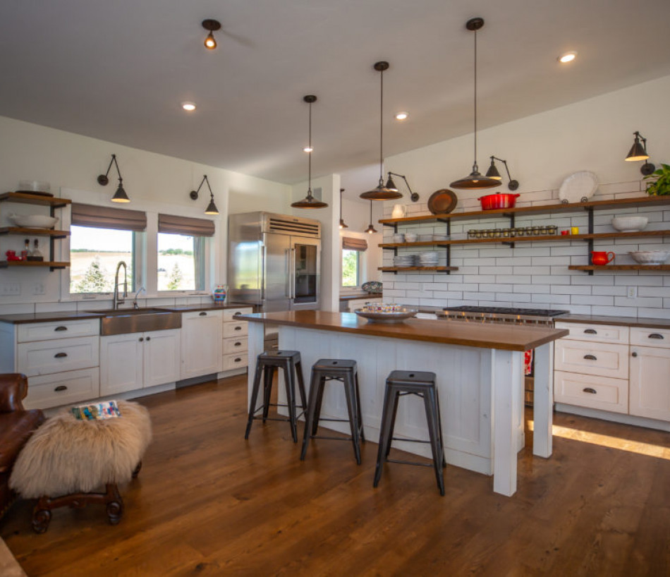 Country – Contemporary – Cattle Paradise with Steamboat Springs