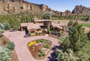 10685 NE Canyons Ranch Dr