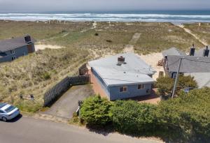 1033 Beach St