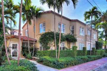 Home for Sale at 530 11th St, Miami Beach FL 33139