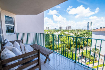 Home for Rent at 19900 E Country Club Dr #604, Aventura FL 33180