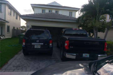Home for Sale at 366 NE 31st Ave, Homestead FL 33033