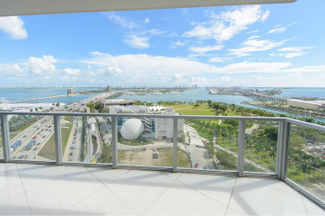 Home for Sale at 1100 Biscayne Blvd #2002, Miami FL 33132