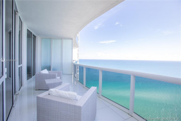 Home for Sale at 15811 Collins Ave #2607, Sunny Isles Beach FL 33160