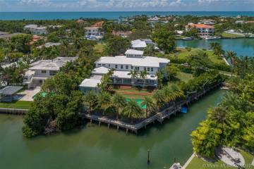 Home for Sale at 925 Mariner Drive, Key Biscayne FL 33149