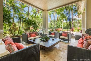 Home for Sale at 2988 Lake Ridge Ln, Weston FL 33332