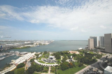 Home for Sale at 244 Biscayne Bl #3202, Miami FL 33132