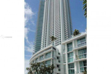 Home for Sale at 92 SW 3rd St #711, Miami FL 33130