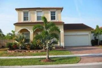 Home for Sale at 2103 NE 40th Rd, Homestead FL 33033