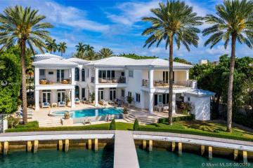 Home for Sale at 4330 N Bay Rd, Miami Beach FL 33140