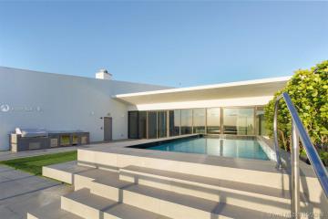 Home for Sale at 5000 Island Estates Dr #PH-1507, Aventura FL 33160