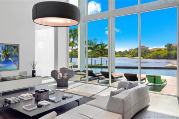 Home for Sale at 14844 Palmwood Rd, Palm Beach Gardens FL 33410