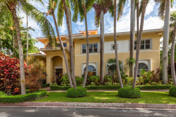 Home for Sale at 7455 SW 170th Ter, Palmetto Bay FL 33157