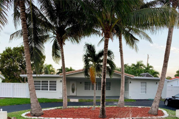 Home for Sale at 2720 NE 26th St., Lighthouse Point FL 33064