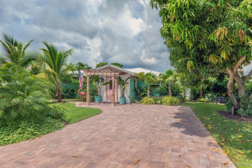 Home for Sale at 9235 S.e. Cove Point St., Tequesta FL 33469
