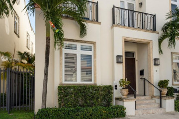 Home for Sale at 550 Valencia Ave #1, Coral Gables FL 33134