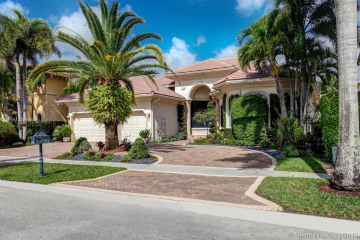 Home for Sale at 691 Baldwin Palm Ave, Plantation FL 33324
