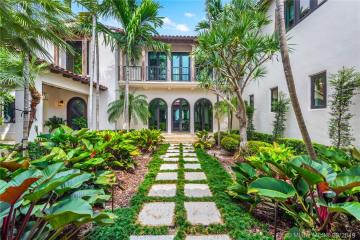 Home for Sale at 5980 N Bay Rd, Miami Beach FL 33140