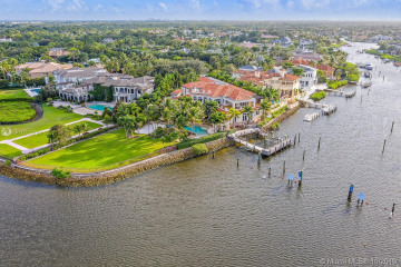Home for Sale at 492 Mariner Dr, Jupiter FL 33477