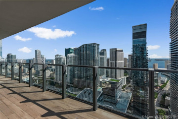 Home for Sale at 88 SW 7th St #3401, Miami FL 33130