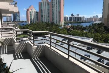 Home for Rent at 3300 NE 191st St #915, Aventura FL 33180