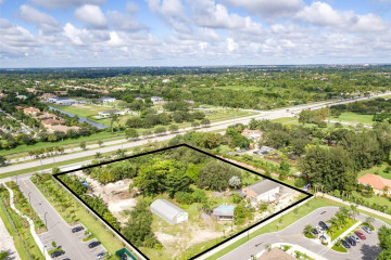Home for Sale at 2780 S Flamingo Rd, Davie FL 33330