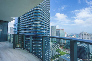 Home for Rent at 45 SW 9th St #3303, Miami FL 33130