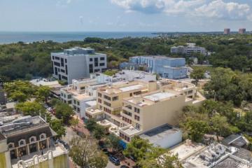 Home for Rent at 3162 Commodore Plz #6A, Miami FL 33133