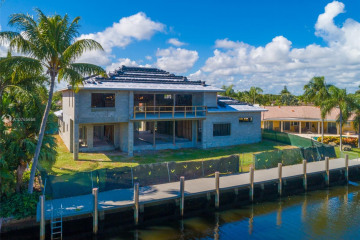 Home for Sale at 5130 NE 29th Ave, Lighthouse Point FL 33064