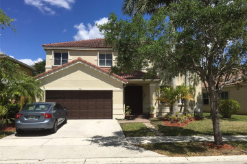 Home for Rent at 964 Tulip Cir, Weston FL 33327