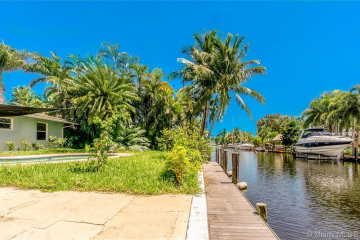 Home for Rent at 1620 SW 5th St #1620, Fort Lauderdale FL 33312