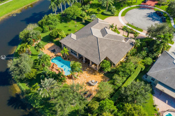 Home for Sale at 12995 SW 40th St, Davie FL 33330