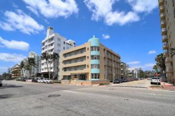 Home for Sale at 3030 Collins Ave #4F, Miami Beach FL 33140