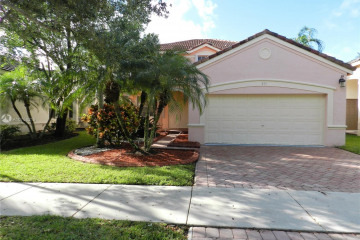 Home for Rent at 801 Tanglewood Cir, Weston FL 33327