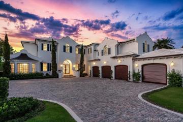 Home for Sale at 19307 N Riverside Dr, Jupiter FL 33469