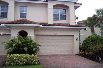 Home for Sale at 332 SW Otter Run Pl #332, Stuart FL 34997