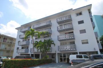 Home for Sale at 1662 Lincoln Ct #402, Miami Beach FL 33139