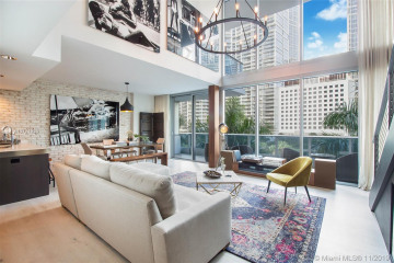 Home for Sale at 200 Biscayne Boulevard Way #306, Miami FL 33131