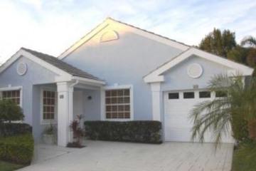 Home for Sale at 20 Admirals Court, Palm Beach Gardens FL 33418