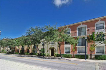 Home for Sale at 560 S Sapodilla #303, West Palm Beach FL 33401