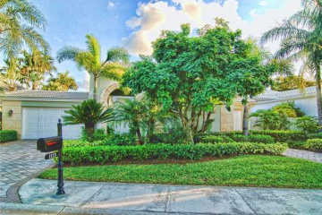 Home for Sale at 1113 Crystal Drive, Palm Beach Gardens FL 33418