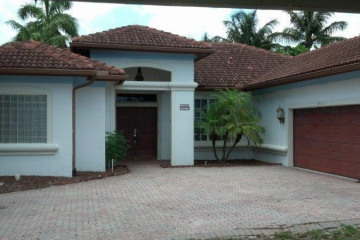Home for Sale at 2077 N Waterway Drive, North Palm Beach FL 33408