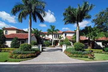 Home for Sale at 526 Bald Eagle Drive, Jupiter FL 33477