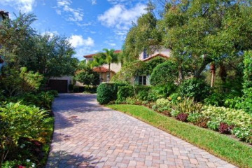Home for Sale at 530 Bald Eagle Drive, Jupiter FL 33477