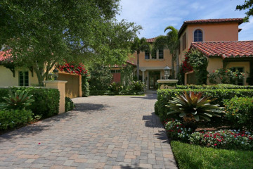 Home for Sale at 513 Bald Eagle Drive, Jupiter FL 33477