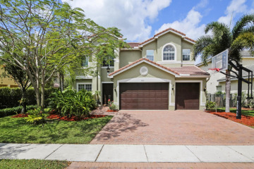 Home for Sale at 9769 Napoli Woods Lane, Delray Beach FL 33446