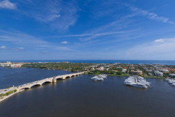 Home for Sale at 1100 S Flagler Drive #25S, West Palm Beach FL 33401